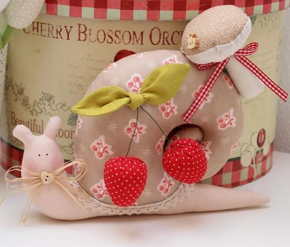 Caramujo de tecido para agulheiro, broche ou decoração