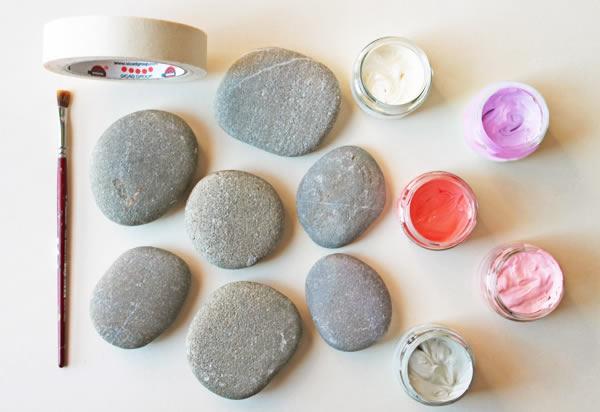 Como fazer arte com seixos passo a passo for Piedras pintadas a mano paso a paso