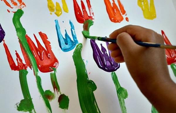Arte colorida fácil para fazer com as crianças