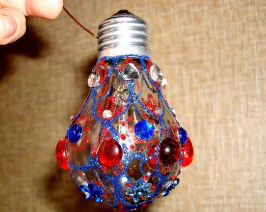 decoracao em lampadas:Olha essa outra ideia que lindo que fica! E o melhor de tudo é que é