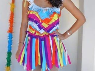 fantasia-colorida-com-papel-crepom-para-o-carnaval-artesanato-para-carnaval