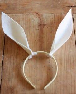 Como fazer orelhinhas de coelho com feltro passo a passo 11