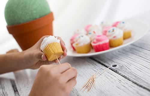 Arranjo com cupcakes para o Dia das Mães