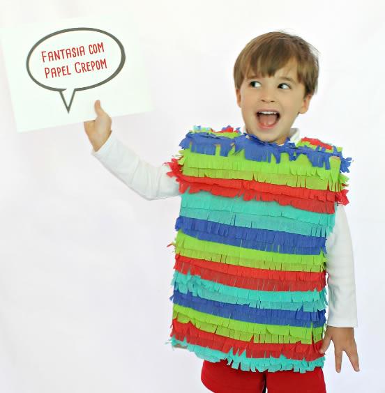 Fantasia Infantil com Papel Crepom