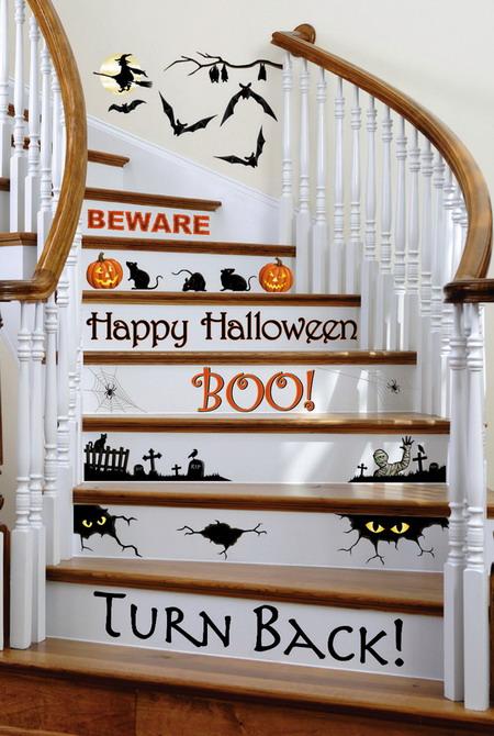 decorando escada com adesivo para hallloween