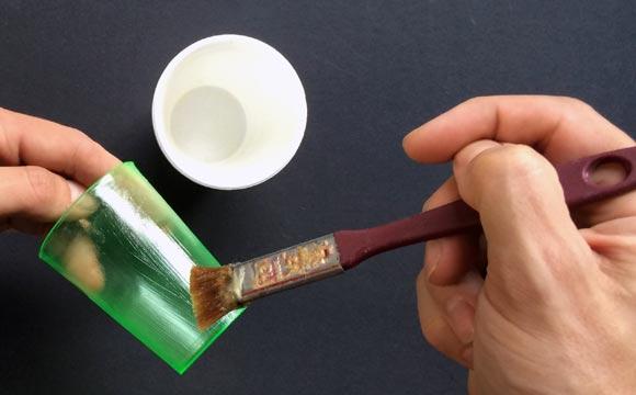 passando vaselina Como fazer vaso de cimento