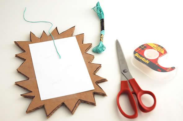 porta-retratos artesanal com papelão