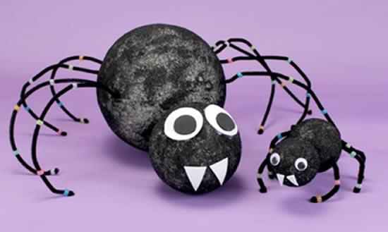 Aranha com Isopor para Decoração de Halloween