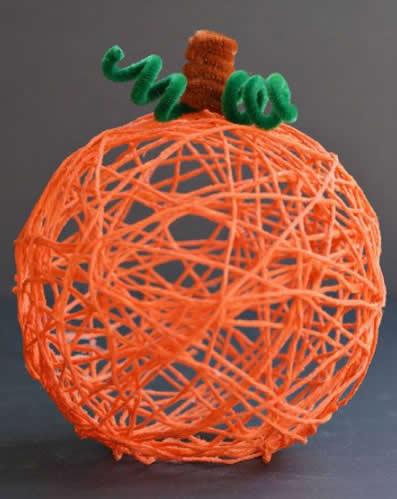 Lembrancinha com Fio de Lã para o Halloween