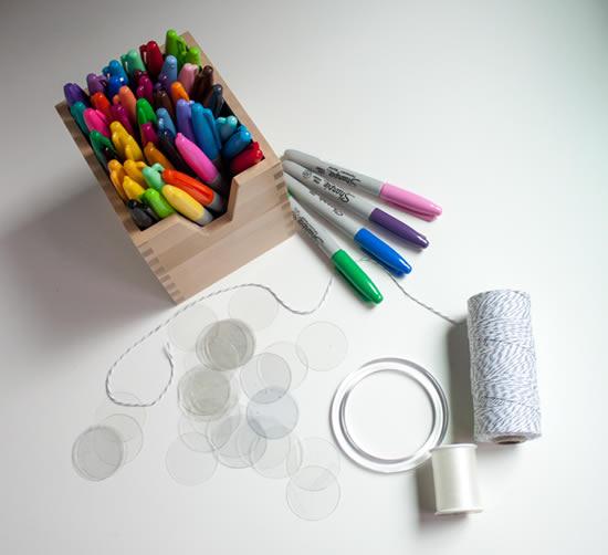Móbile com material reciclado passo a passo