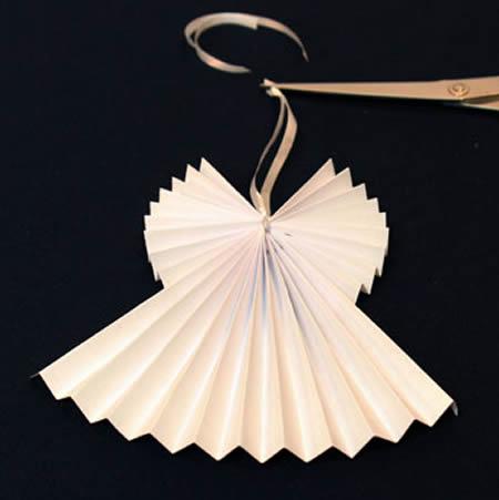 Anjinhos de Papel com Dobradura para Decoração - 10 Ideias Lindas