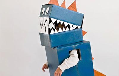 Como fazer Fantasia de Dinossauro com Caixa de Papelão