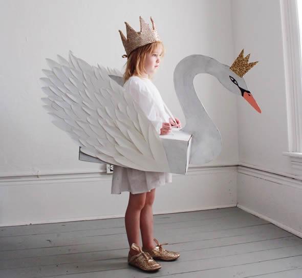 Fantasia para Crianças com Caixa de Papelão - Garça