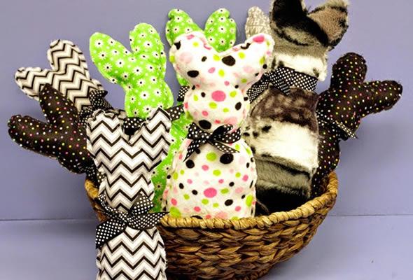 Lembrancinhas com Coelhinhos de Pano para Páscoa