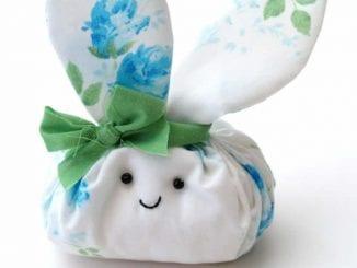 Coelhinho de Tecido para Lembrancinha e Decoração de Páscoa