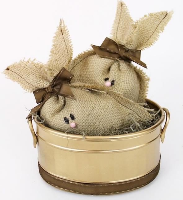 Lembrancinhas de Páscoa com Coelhinhos de Juta