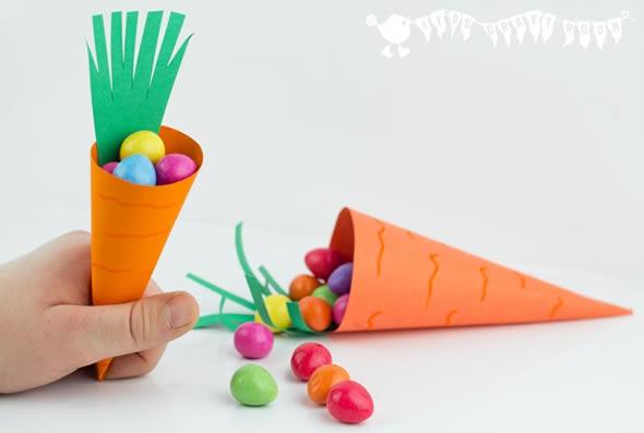 Lembrancinha com Cenoura de Papel para a Páscoa com Moldes