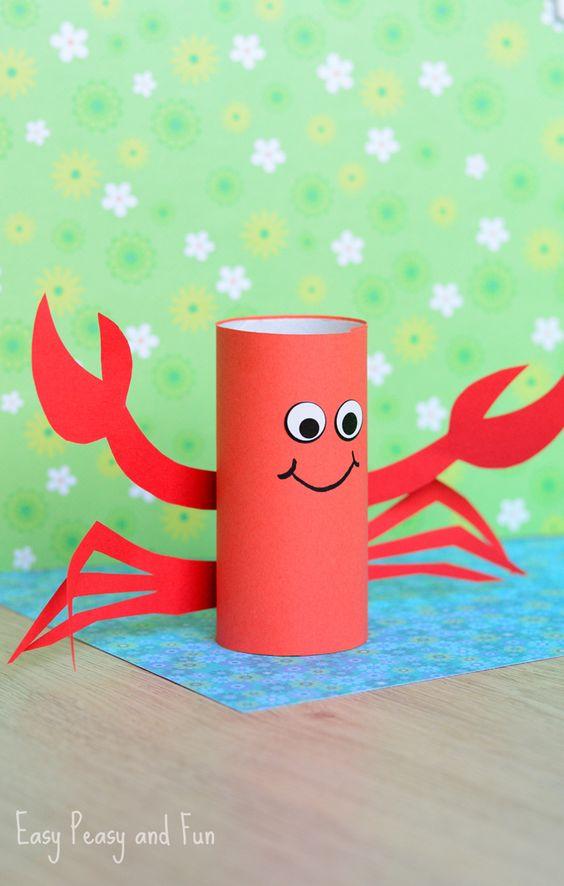 caranguejo de papel higiênico Brinquedos de papel reciclado