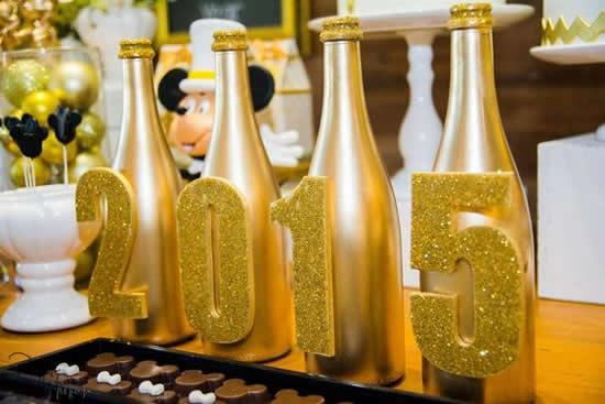 Garrafas Decoradas para Decoração de Ano Novo