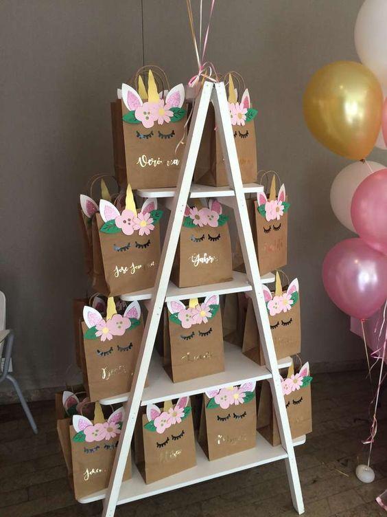 embrabncinhas de decoração de festa de unicórnio