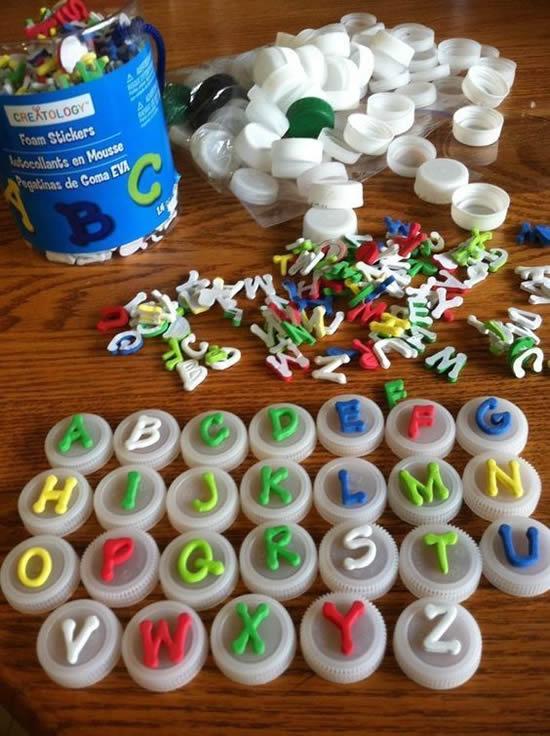 Jogos e Brincadeiras com Tampinhas