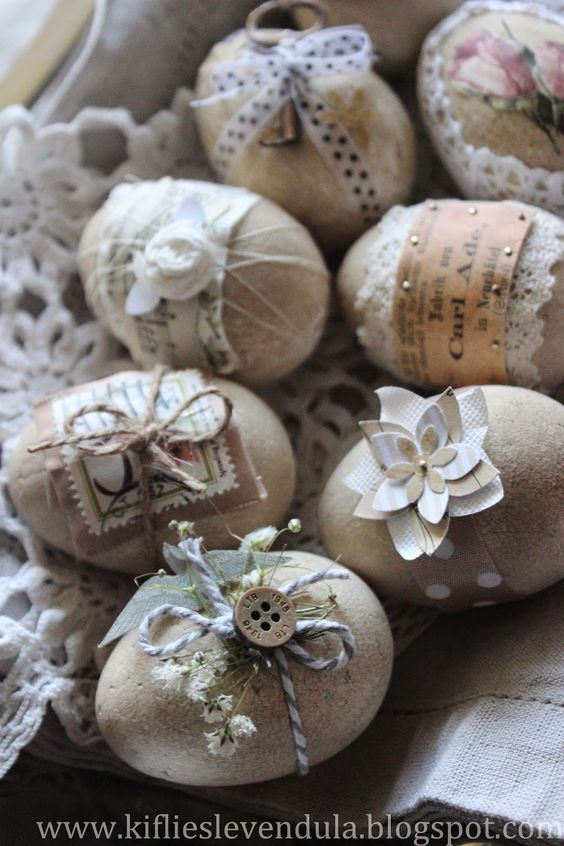 ovos de páscoa de cimento