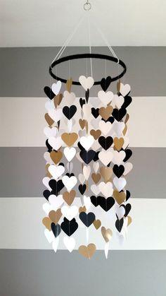 móbile decorativo de coração