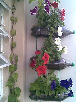 ideias de jardim verticais com garrafa pet