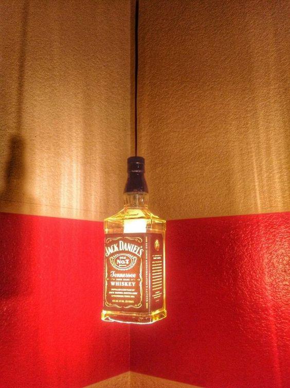 Luminárias de garrafas de vidro