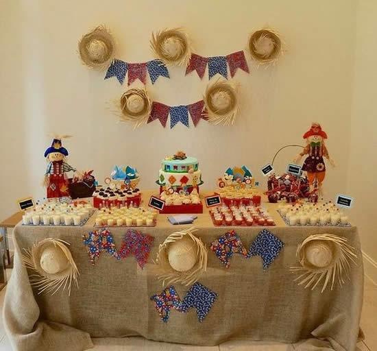 Enfeite com Chapéu de Palha para Festa Junina