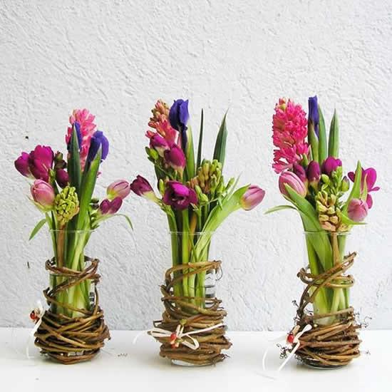 Decoração com arranjos de flores