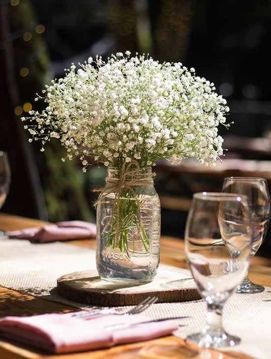 Decoração de casamento com potes de vidro