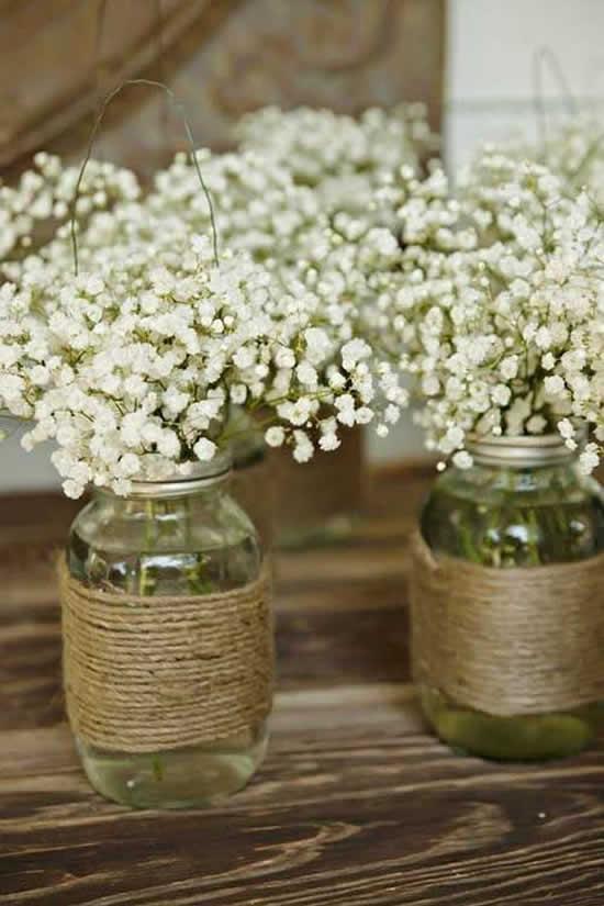 Lindos enfeites para mesa com potes de vidro