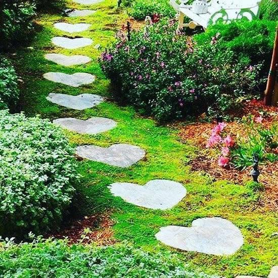 Caminho lindo de jardim