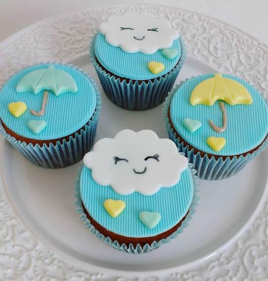 Lindos cupcakes para festa chuva de amor