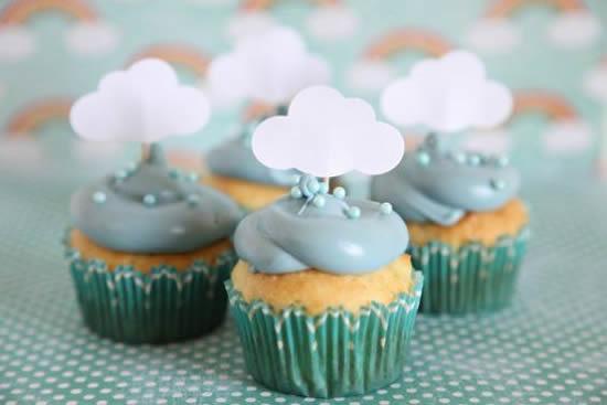 Cupcakes Decorados para Festa Chuva de Amor