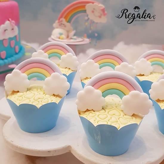 Cupcakes para festa chuva de amor