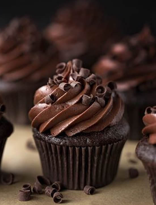 Cupcake lindo de chocolate