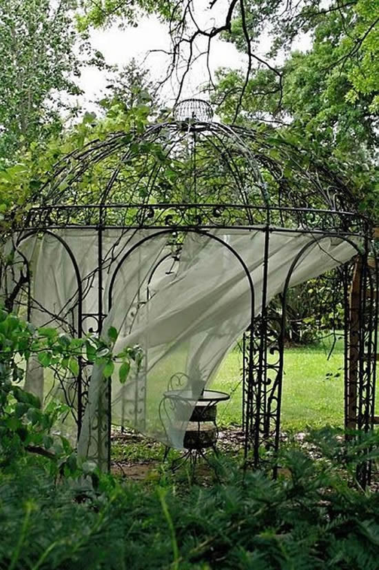 Decoração de jardim com gazebo