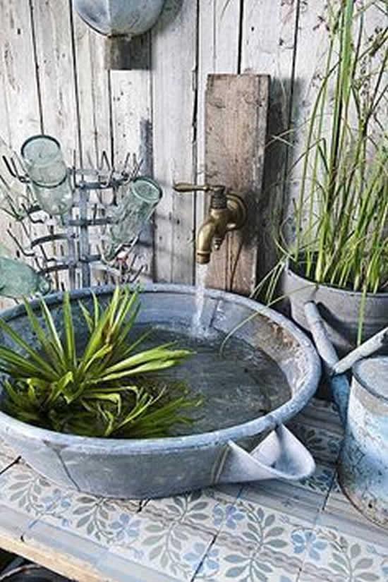 Lago improvisado de jardim