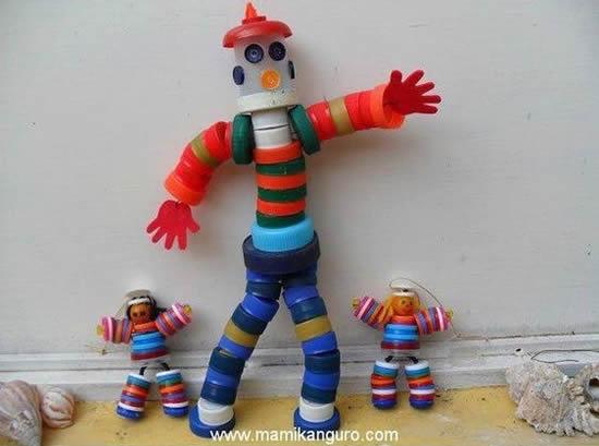 Robôs com tampinhas de garrafa PET