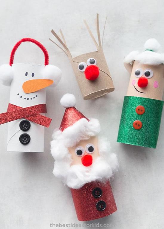 Enfeite lindo com rolos de papelão para o Natal