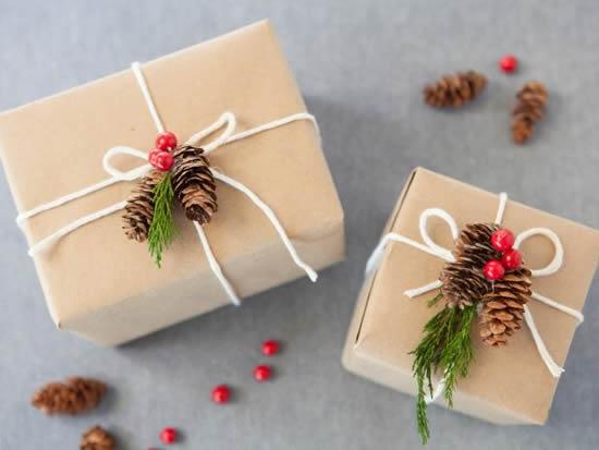Lindas ideias para fazer embrulhos de Natal decorados