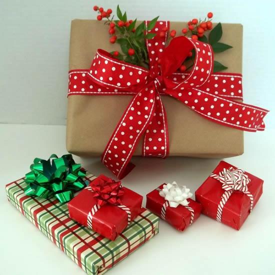 Embrulhos de Natal decorados