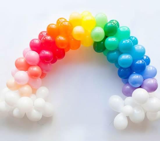 Arco-íris com balões