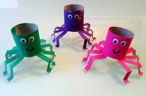 Decoração de Halloween com rolos de papel