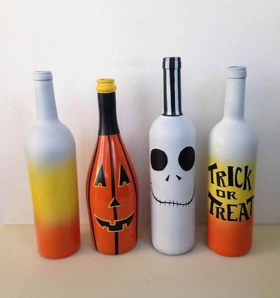 Decoração com garrafas para Halloween