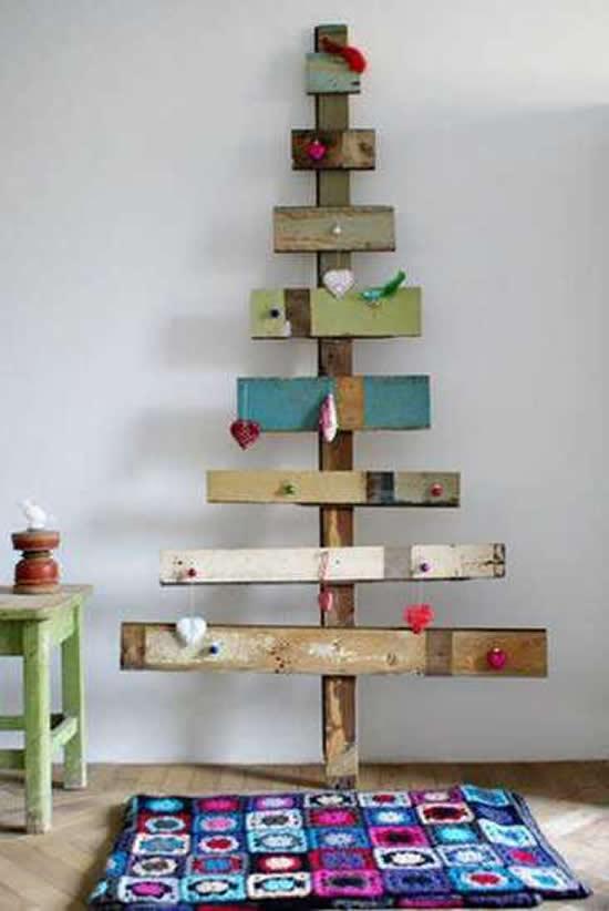 Árvore de Natal com reciclagem para Natal