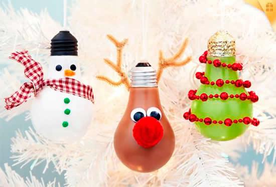 Artesanato com lâmpadas velhas para o Natal