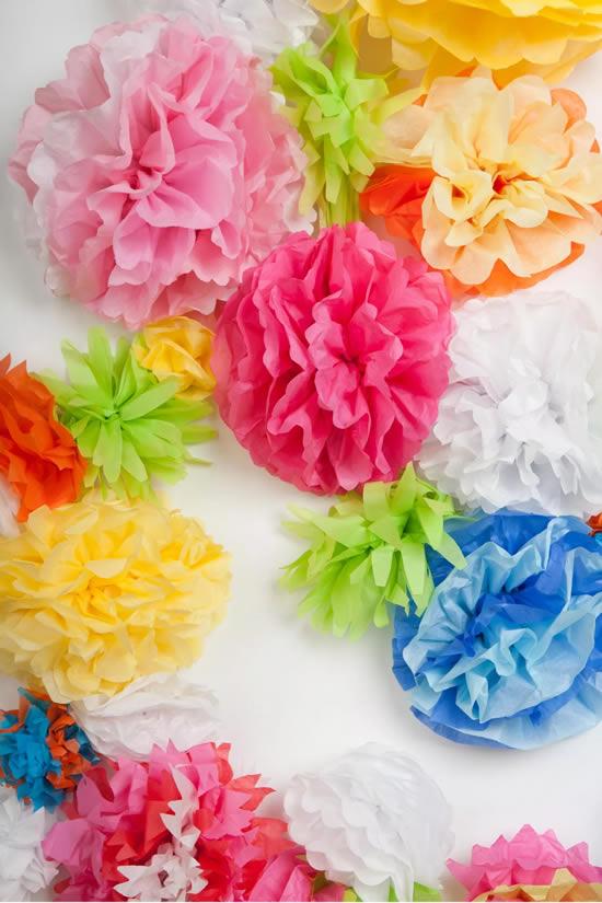 Flores de papel seda para decoração